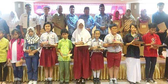 """63 Siswa Tanjungpinang """"RAIH NILAI UN SEMPURNA"""""""
